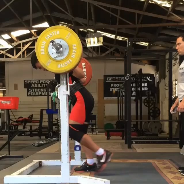 @destamoon hitting an easy 205kg squat in his lead up to commonwealths, Jak has successfully squatted 210kg in comp and is looking to smash that number is a couple of weeks