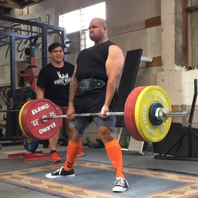 @beez1006 stands up with 260kg but unfortunately no lift for downward movement
