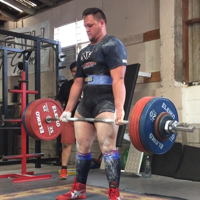 "@armadylgodsword stands up with a big 280kg but unfortunately misses this lift for unlocked shoulders and downwards movement before the ""down"" command"