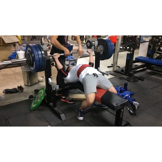 Special guest @thepaulsu from Malaysia hits a very nice 155kg bench at only 75kg bodyweight! Special guest @thepaulsu from Malaysia hits a very nice 155kg12677208 583163751850470 1168547416 n