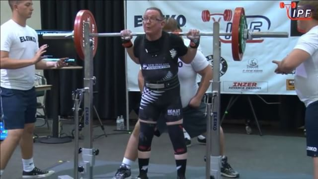 @kpstrachan 3rd attempt squat of 145kg going 2-1 in his favour. 3/3 and securing him a bronze medal for the squat.