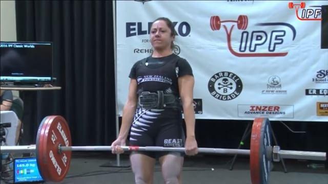 @carli_dillen locks in her 2nd attempt with a very solid 165kg.