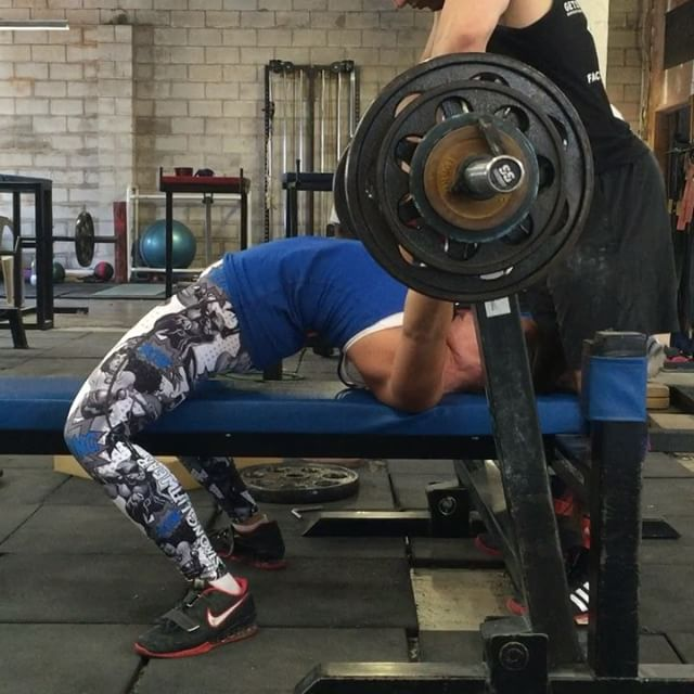 @carli_dillen nails a huge 87.5kg bench press! Tag a friend below who struggles with this weight This is 5kg higher than her comp PR. Well done Carlos! Looking forward to see what you can put together on the platform this year